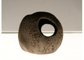 Caverne Céramique Noire L (10cm)
